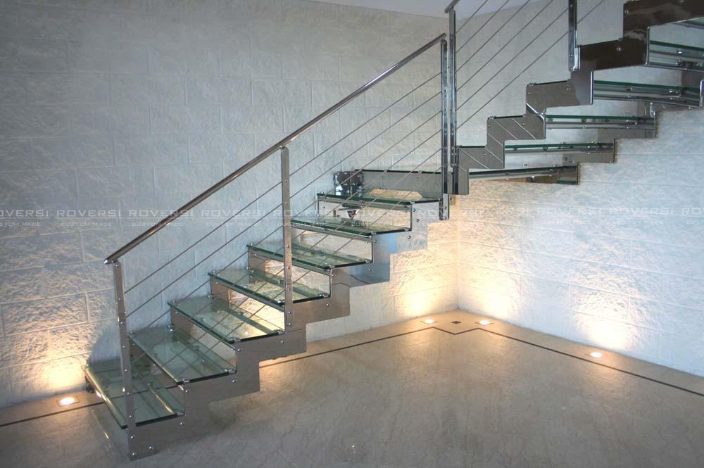 Scale in acciaio e vetro - Scale interne a vista ...
