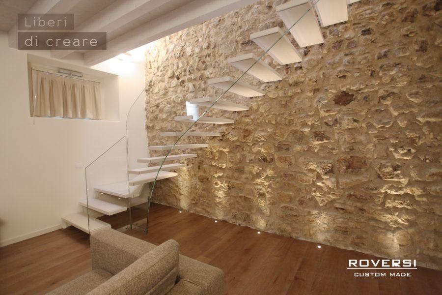Roversi scale progettazione e realizzazione di scale - Scale classiche per interni ...